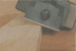 Работа рубанком - Снятие фасок электрорубанком
