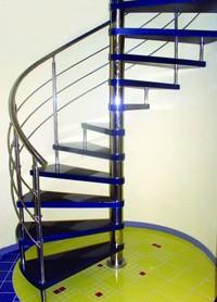 Лестница в дом - Лестница с опорной стойкой