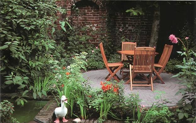 Ландшафтные работы на участке - Место для отдыха в саду